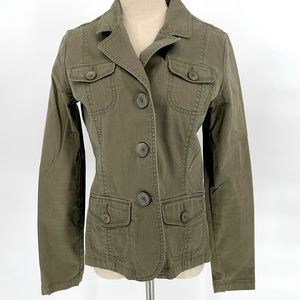 Lady Hathaway green button up army style jacket